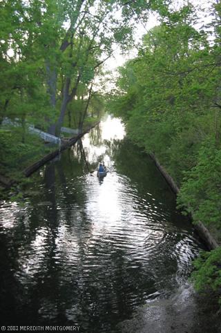 Canoe in Isles/Cedar canal