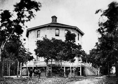 Oak Grove Hotel